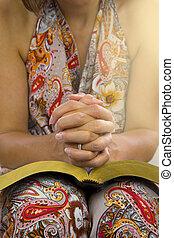 婦女, 移交, 聖經