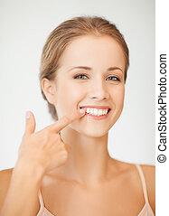 婦女, 顯示, 她, 牙齒