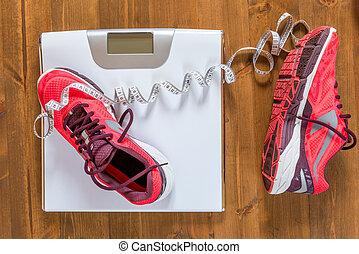 婦女` s, 跑鞋, 以及, 規模, 上, the, 木製的地板, 從的觀點在上面