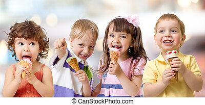子供, ∥あるいは∥, 子供, グループ, 食べること, アイスクリーム