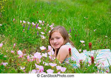 子供, かわいい 女, 上に, 春, 牧草地, ∥で∥, ケシ, 花