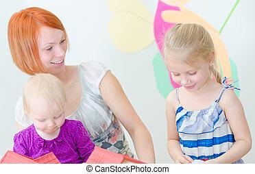 子供, そして, ∥(彼・それ)ら∥, 母親遊び, ∥で∥, dollhouse.
