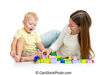 子供, そして, 彼の, お母さん, プレーしなさい, 一緒に, ∥で∥, ブロック, おもちゃ