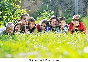 子供, グループ, 屋外