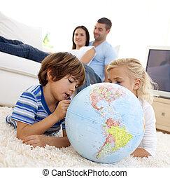 子供, リビングルーム, 地球, 地球である, 遊び