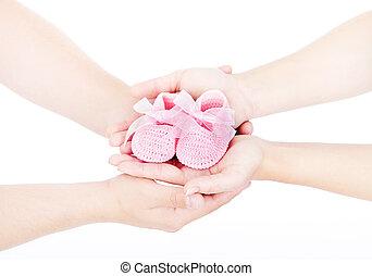 子供, 保有物, 家族, 恋人, 新生, 生まれる, 親, 背景, 新しい赤ん坊, 衣類, 白, 毛糸編み幼児靴, 手