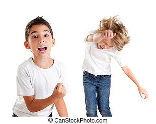 子供, 勝者, 興奮させられた, 叫ぶこと, 子供, ジェスチャー, 幸せ