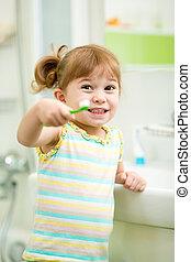 子供, 女の子, ブラシをかける 歯, 中に, 浴室