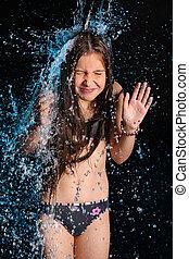 子供, 女の子, 中に, a, ビキニ, 中に, a, 落ちる, 流れ, の, 水