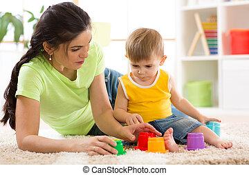 子供, 彼の, 母, 一緒に, おもちゃ, 遊び