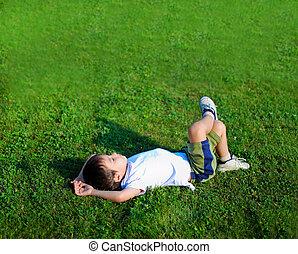 子供, 芝生に