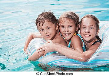 子供, 3, 日, time., 幸せ, プールを すること, 水泳