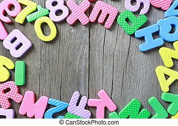 字母表, 正文, 發明, 位置, 上, 老, 布朗, 木頭, 以及, 有, 模仿空間, 為, 設計, 在, 你, 工作, 背景。