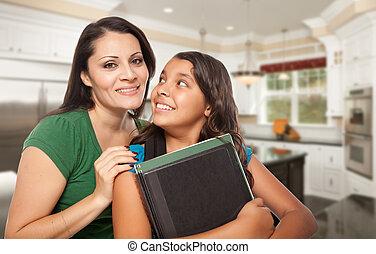 学校, 娘, 得意である, ヒスパニック, 母, 準備ができた, 家の台所