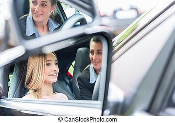 学生, 中に, 運転, 学校, 車輪, の, a, 自動車, ∥で∥, 彼女, 教官