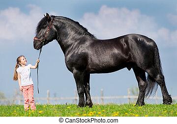 孩子, 以及, 大, 黑色的馬, 在, 春天