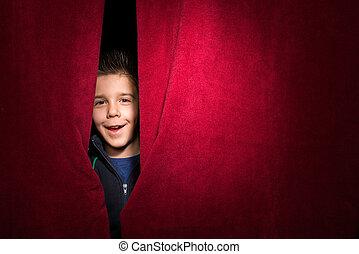 孩子, 出現, 在下面, the, 帘子