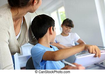 孩子, 在課中, 由于, 老師