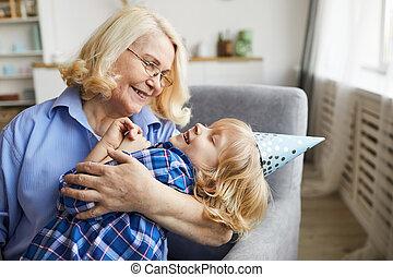 孫, 祖母, 幸せ