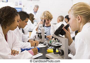 學校孩子, 以及, 他們, 老師, 在, a, 高中, 科學課