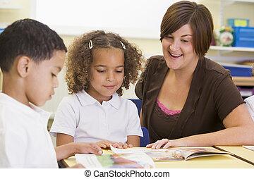 學童, 以及, 他們, 老師, 閱讀, 在, a, 主要, 類別