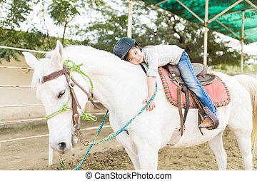 安定した, 抱き合う, かわいい, 馬, 所有者