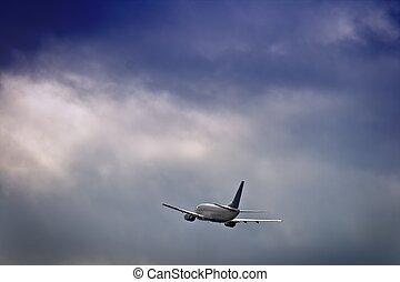 定期旅客機, ジェット機, 空, に対して, 嵐である