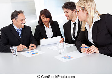 実業家のグループ, ∥において∥, ∥, ミーティング