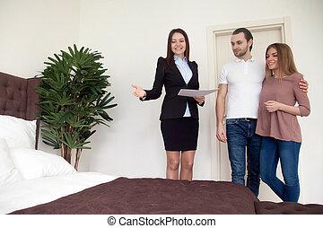実質, アパート, 財産, 提示, 若い, エージェント, renters, bu, 寝室