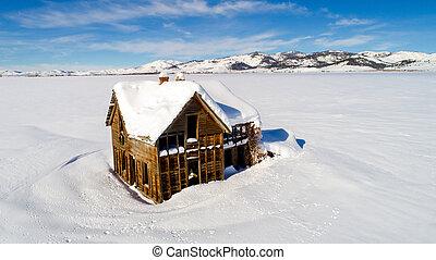 家屋敷, 忘れられた, 冬季