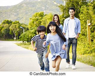 家庭, 公园, 亚洲人, 放松