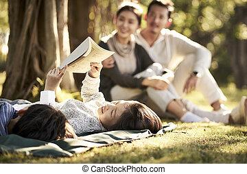 家庭, 放松, 公园, 二, asian孩子