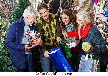 家族の クリスマス, 店, 幸せ