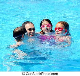 家族の 楽しみ, プール