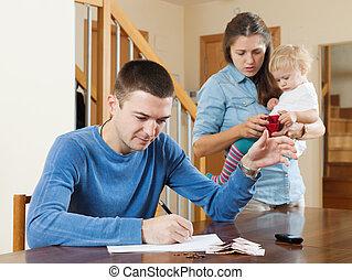 家族, お金, 上に, 赤ん坊, 持つこと, 口論