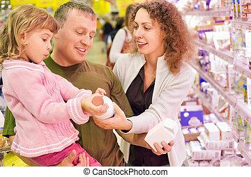 家族, ∥で∥, 女の子, 買い物, ミルク, 中に, スーパーマーケット