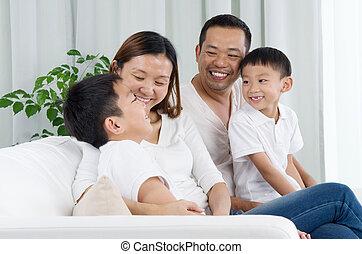 家族, アジア人
