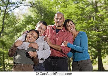 家族, ヒスパニック, 2人の司厨員, 屋外で, 肖像画