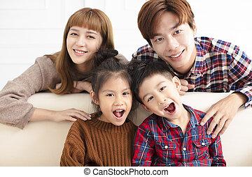 家族, モデル, ソファー, アジア人, 家, 幸せ