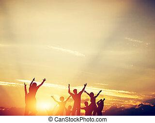 家族, 一緒に, 跳躍, 友人, sunset., 幸せ