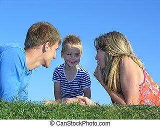 家族, 上に, 草, 顔