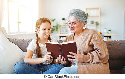 家族, 孫娘, 祖母, 本, 家, 読書, 幸せ