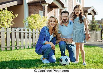 家族, 家, ∥(彼・それ)ら∥, 新しい, 肖像画, 幸せ