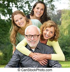 家族, 屋外で, 一緒に, 時間, 肖像画, 楽しむ, 幸せ