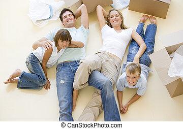 家族, 床, 箱, 新しい 家, 微笑, 開いた, あること