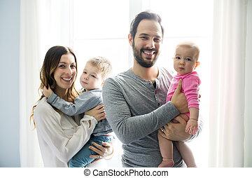 家族, 弛緩, 若い, 窓, 終わり, 赤ん坊, 肖像画