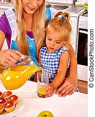 家族, 朝食, 子と一緒に, ∥において∥, kitchen.