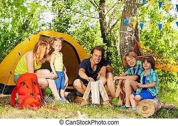 家族, 火, キャンプ, 森, 作成, 肖像画