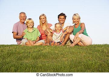 家族, 祖父母, 親, フィールド, ポーズを取る, 子供