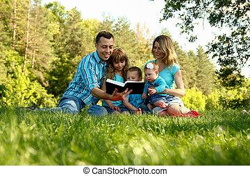 家族, 聖書, 読書, 幸せ, 自然